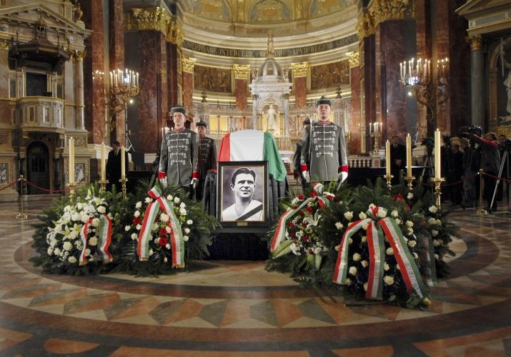 F. Puskás mal štátny pohreb so všetkými poctami. (SITA)