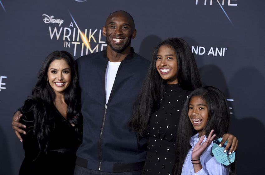 S manželkou a dvomi najstaršími dcérami.